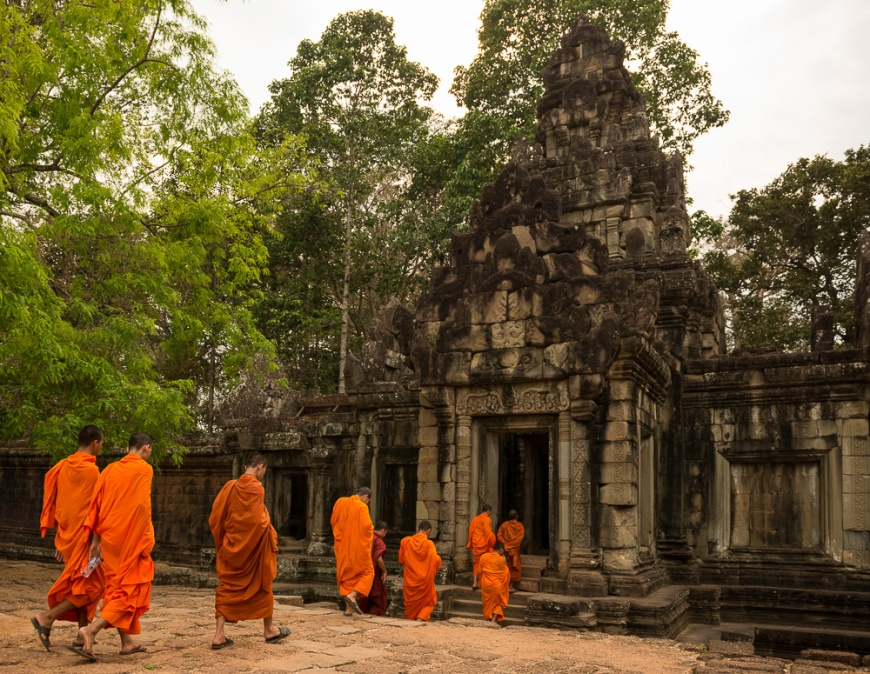 Buddhist Monks, Phimeanakas Temple, Angkor Thom, Siem Reap, Cambodia
