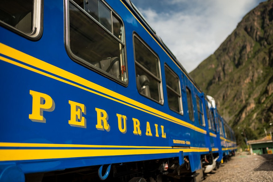 Perurail train waiting at platform, Ollantaytambo, Sacred Valley, Peru
