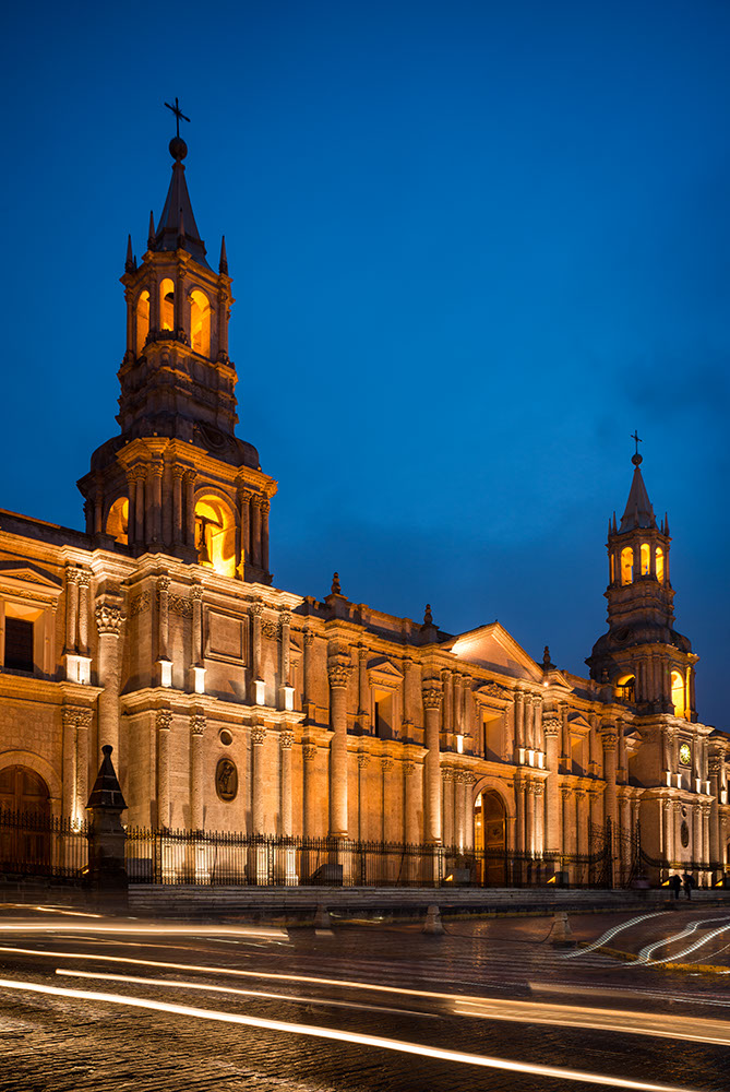 La Catedral at night, Plaza de Armas, Arequipa, Peru