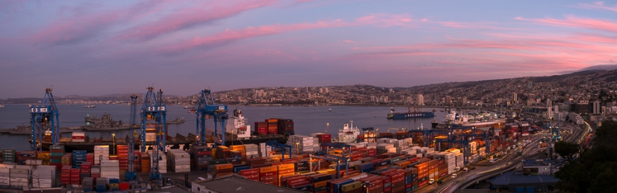 View of city and ports at dusk from Paseo 21 de Mayo, Cerro Playa Ancha, Valparaíso, Central Coast, Chile