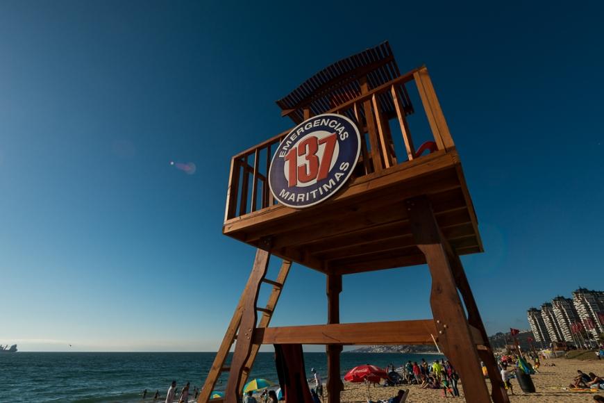 Lifeguard Station on the beach, Playa el Sol, Viña del Mar, Central Coast, Chile