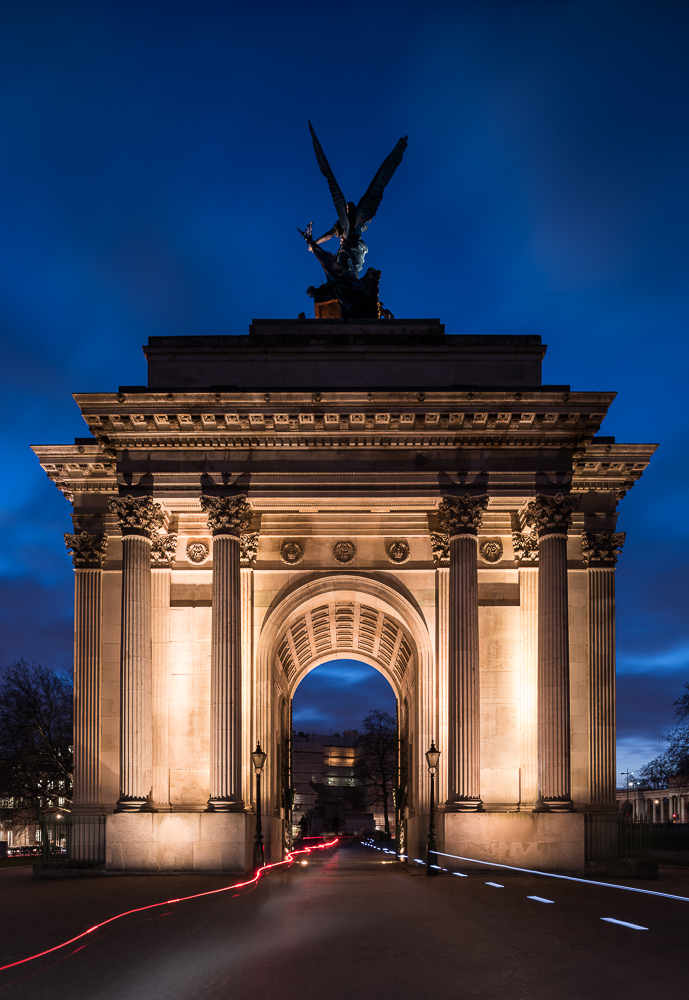 Exterior of Wellington Arch at night, London, England, UK