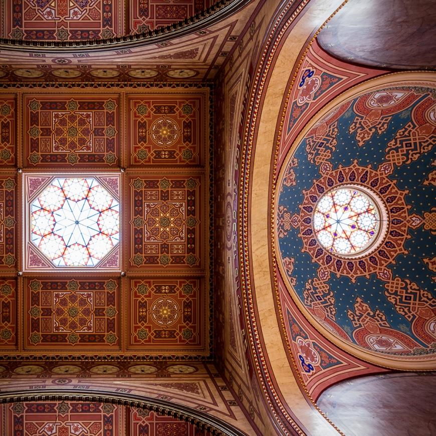 Interior of The Dohány Street Synagogue, Erzsébetváros, Budapest, Hungary