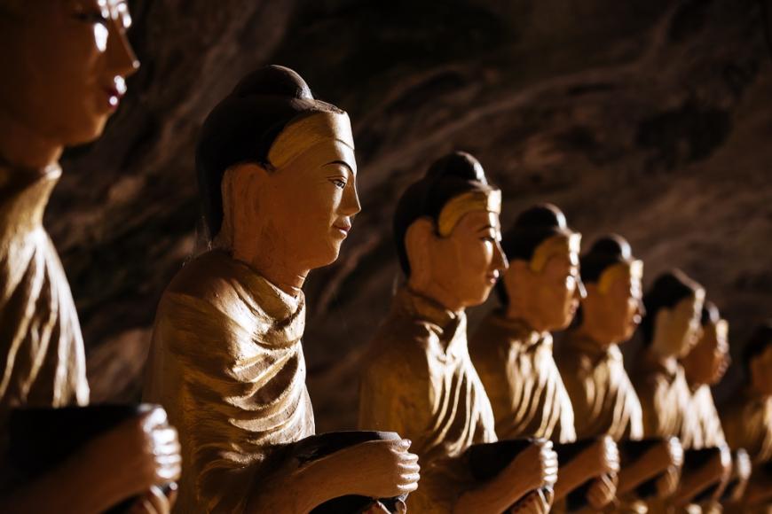Buddha Statues inside Sa-dan Cave near Hpa-an, Kayin State. Myanmar, Asia