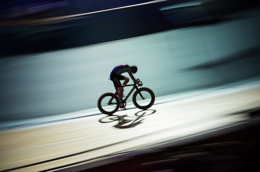 Solo cyclist, Six Day London, The Velodrome, October 2017 Nikon D4 with Nikon 70-200mm Lens at 105mm. Exposure: 1/10th at f/8 and ISO 400