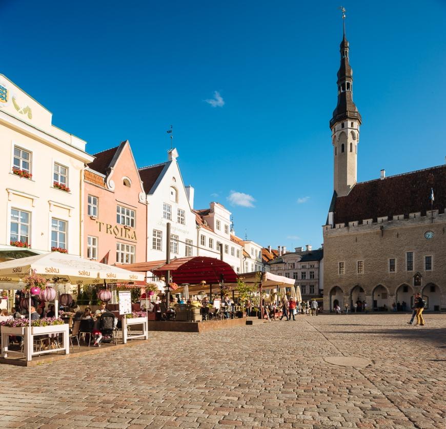 Town Hall Square (Raekoja plats), Old Town, Tallinn, Estonia, Europe
