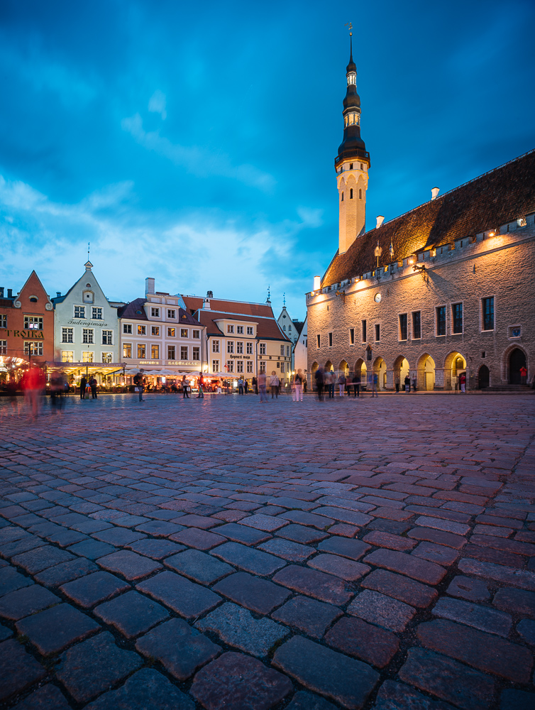 Town Hall Square (Raekoja plats) at dusk, Old Town, Tallinn, Estonia, Europe