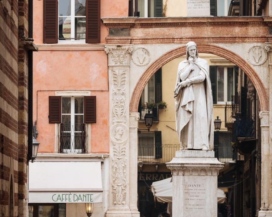 Statue of Dante, Verona, Veneto Province, Italy, Europe