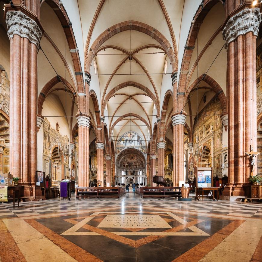 Interior of Duomo (Cattedrale Santa Maria Matricolare), Verona, Veneto Province, Italy, Europe