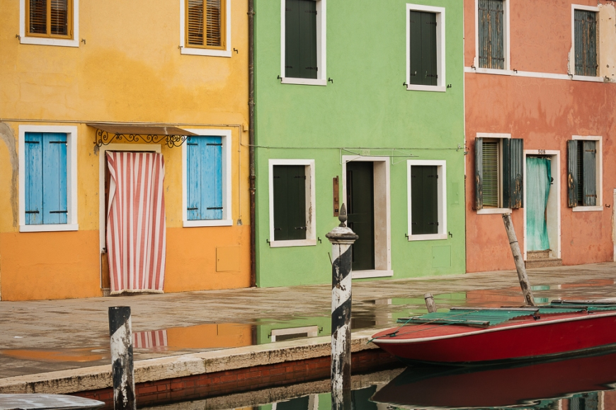 Exterior facades of colourful buildings, Burano, Veneto Province, Italy, Europe