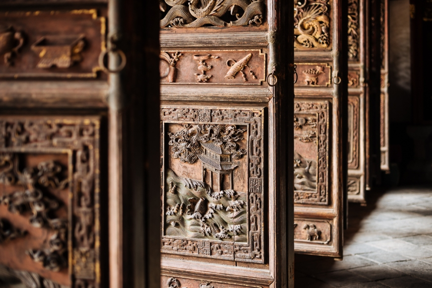 Ornate wooden doors, Confucian Temple, Jianshui, Yunnan Province, China