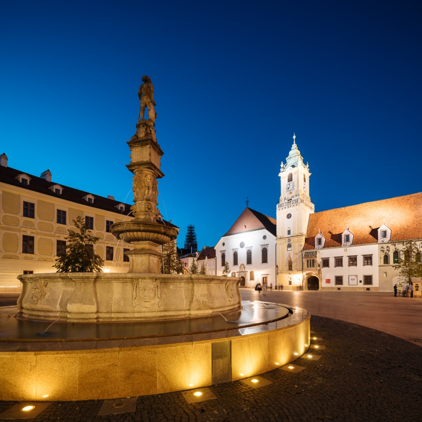 Roland's Fountain and The Town Hall, Old Town, Bratislava, Slovakia